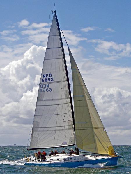 Karel met de Houten Poot op open zee