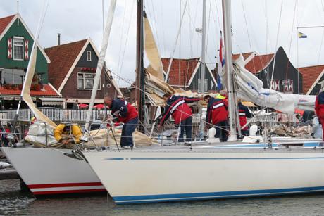 Bedrijfsuitje met zeilwedstrijd en lunch in Volendam