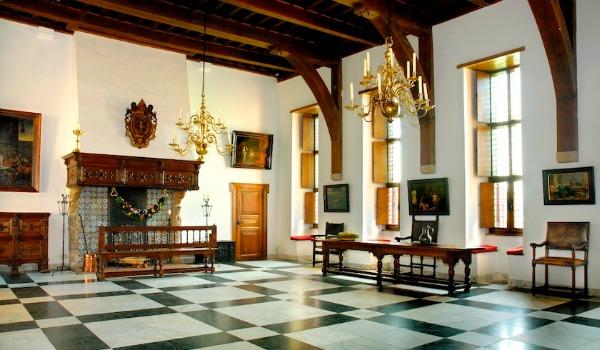 Vergaderen is onder andere mogelijk in de Ridderzaal