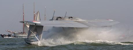 Spectaculaire start van het historische watervliegtuig