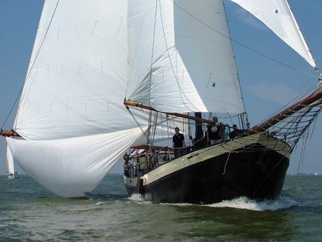 Klippers, Tjalken en andere schepen uit de bruine vloot van Muiden
